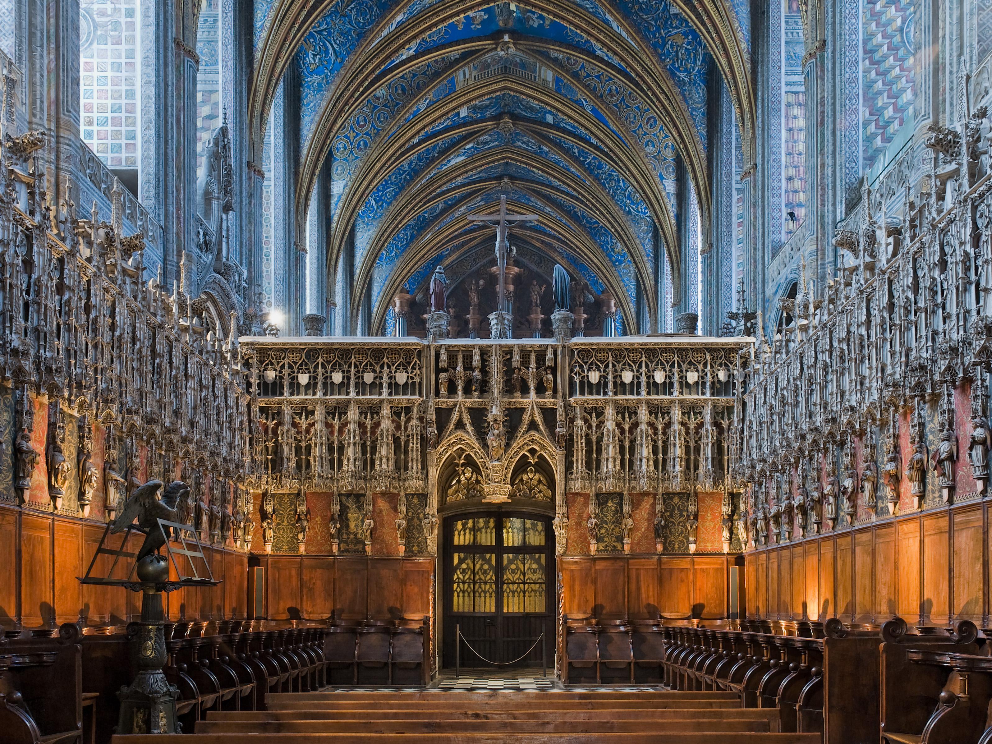 """Todas las paredes profusamente pintadas en el S.XVI, en apenas 4 años. Es un """"Dónde está Wally"""" a lo católico."""