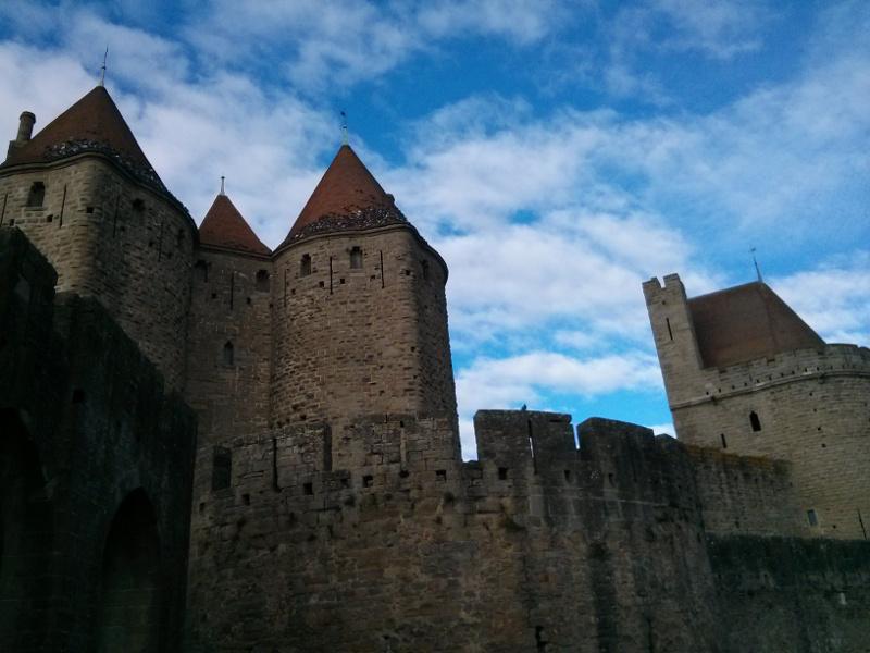 No le faltan ni las catedrales, ni los castillos, ni los mercaderes ni los comerciantes...