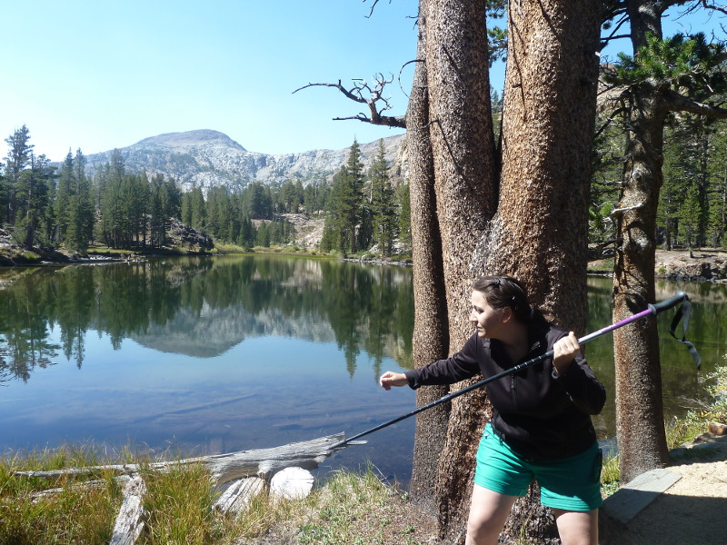 Ahí estoy a punto de 'pescar' un caché en un lago glaciar... (es un txistako!)