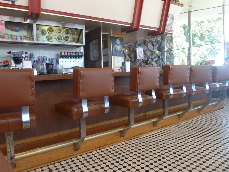 Esas sillas llevan ahí más tiempo del que se puede contar...