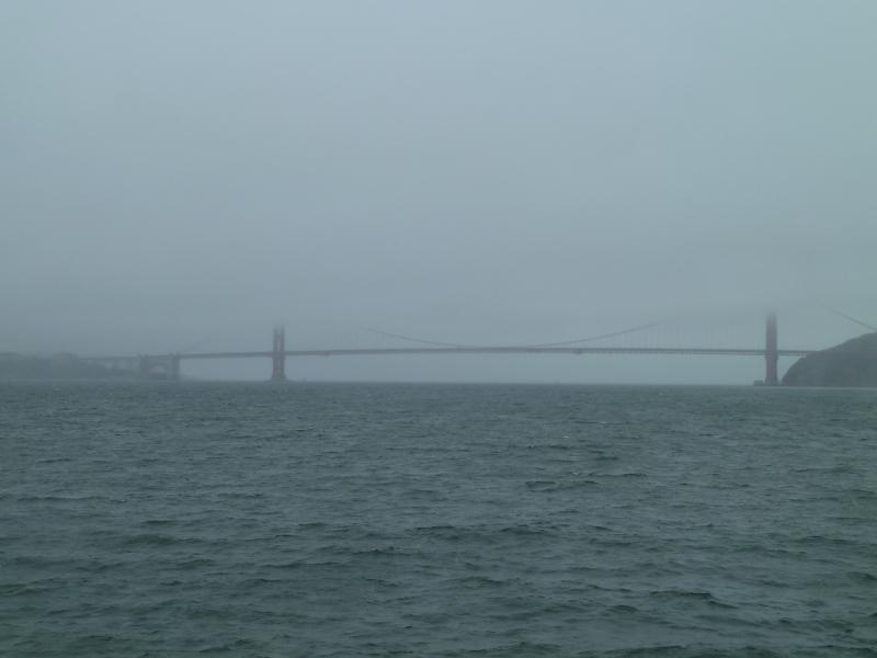 El otro día unos Kaijus dejaron el puente hecho un cristo, pero hoy estaba mucho más limpio