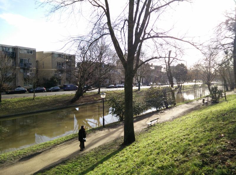 Utrecht es así como sosa y su canal también es soso. La señora parecía maja pero no se quedó a hablar con nosotros.